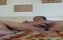 Chubby desi bhabhi pleases her horny pussy